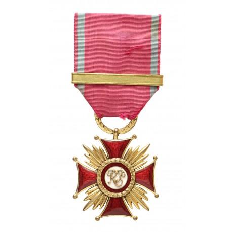 Złoty Krzyż Zasługi ? luksusowe wykonanie