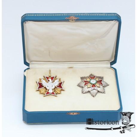 Order Orła Białego z okresu II RP w oryginalną wstęgą i pudłem