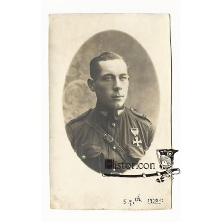 Fotografia żołnierza 5 Pułku Ułanów z Krzyżem Walecznych