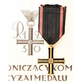 Krzyż Niepodległości z dokumentem nadania