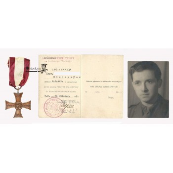 Krzyż Walecznych z dokumentem nadany za walki w Tobruku