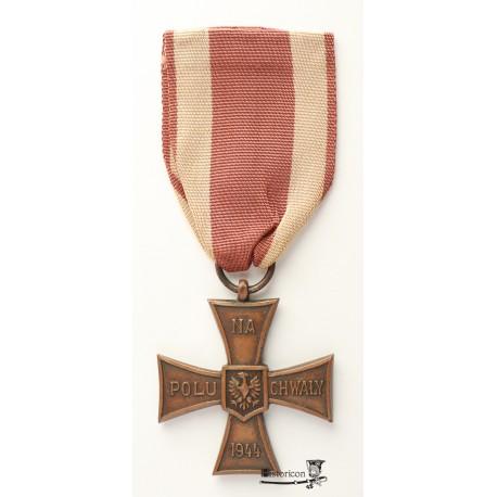 Krzyż Walecznych – pierwsza odmiana z datą 1944