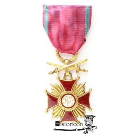 Złoty krzyż Zasługi z Mieczami - Włochy